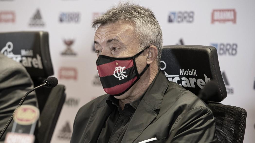 """Domènec é apresentado no Flamengo e revela conselho de Guardiola: """"Não deixe passar"""""""