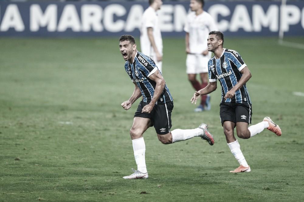 Sem Everton, Grêmio administra Fluminense e vence com a marca do artilheiro