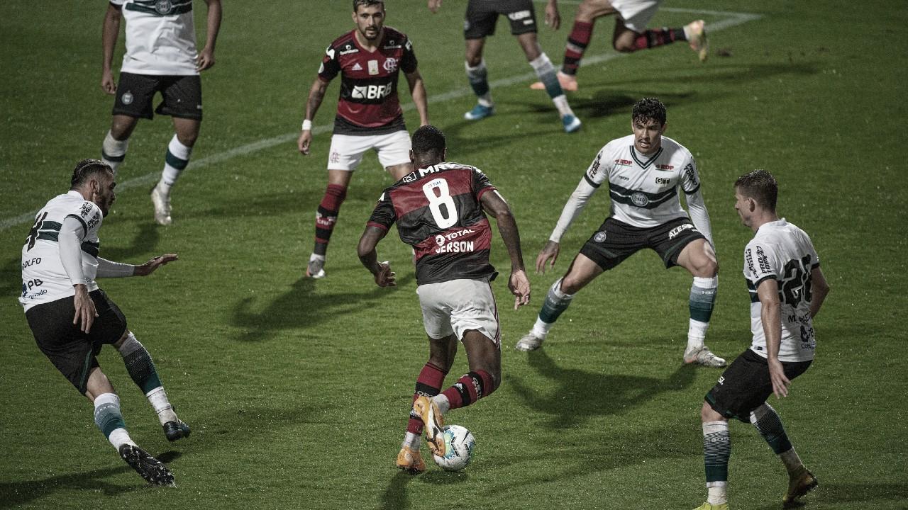 Mesmo com vitória sobre Coritiba, Flamengo ainda demonstra falta de confiança