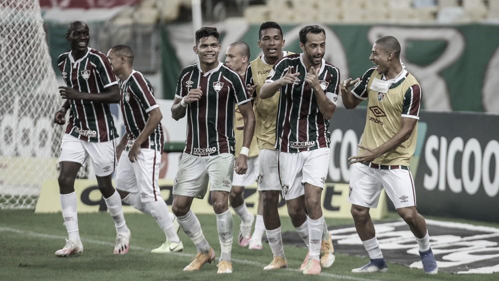 """Auxiliar-técnico elogia atuação contra o Inter e Evanilson garante foco: """"Cabeça está só no Fluminense"""""""