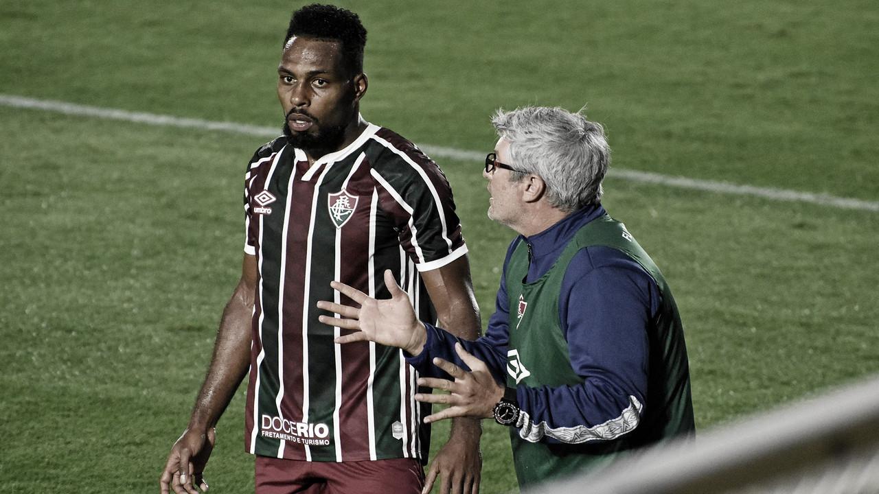 """Ainda sem ganhar fora de casa no Brasileirão, Odair lamenta derrota do Fluminense: """"Saímos muito chateados"""""""