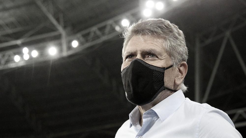 """Autuori assume culpa após derrota do Botafogo no clássico: """"Primeiro tempo foi muito ruim"""""""