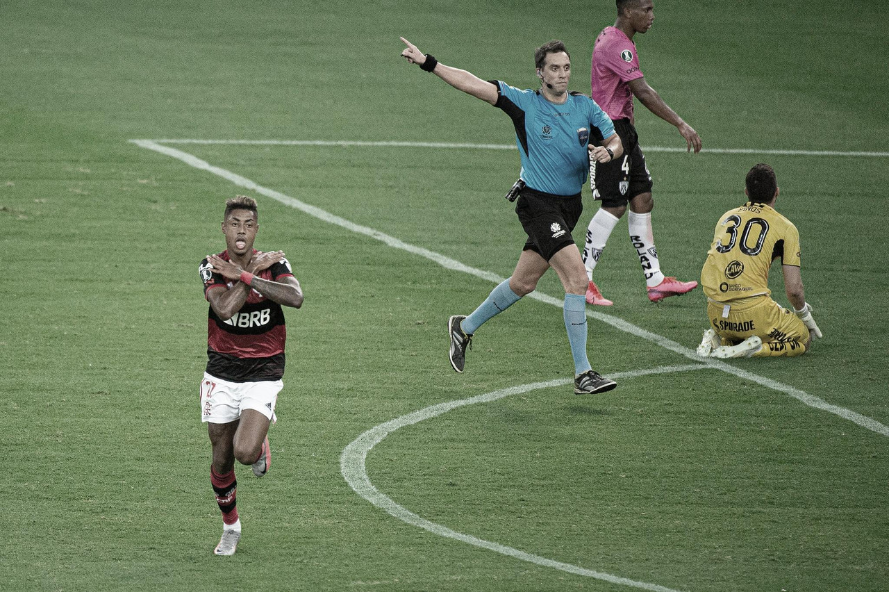 Flamengo domina, devolve goleada contra Independiente del Valle e se classifica na Libertadores