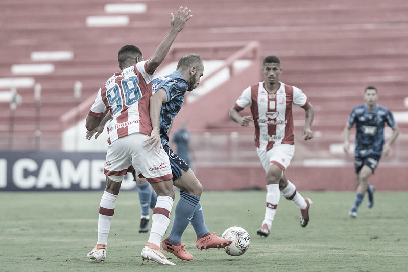 """<span style=""""color: rgb(33, 33, 36); font-family: """"Proxima Nova"""", """"helvetica neue"""", helvetica, arial, sans-serif; font-size: 14px; font-style: normal; text-align: start; background-color: rgb(243, 245, 246);"""">Náutico e Cruzeiro, pela Série B, no Estádio dos Aflitos (Foto: Gustavo Aleixo/Cruzeiro)</span>"""