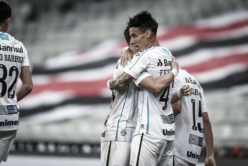 Ferreira comemora o gol da vitória (Foto: Lucas Uebel/Grêmio FBPA)