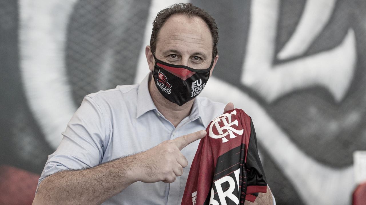 """Rogério Ceni chega ao Flamengo e já projeta esquema tático: """"O mais ofensivo possível"""""""