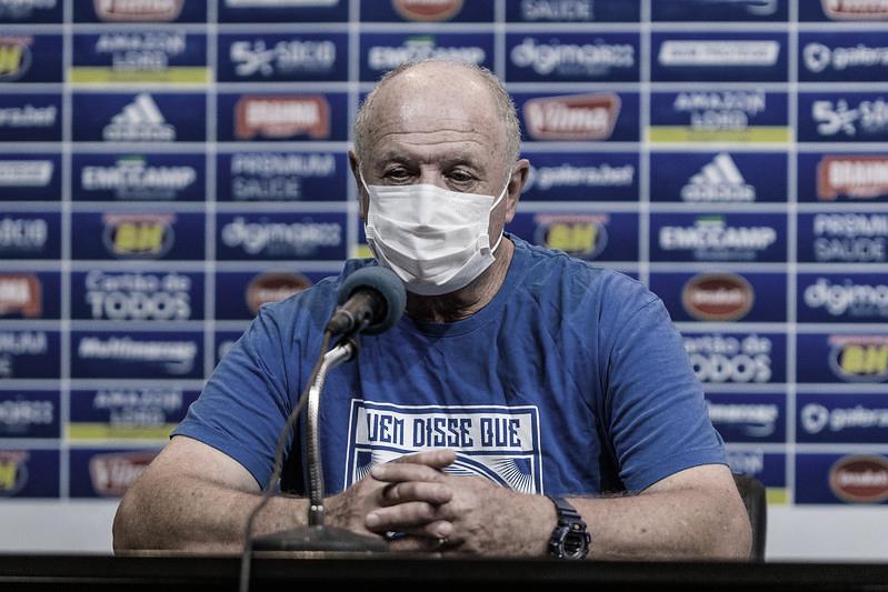 Felipão enaltece golaço de Sóbis, mas prega calma no Cruzeiro para sair do 'desconforto'