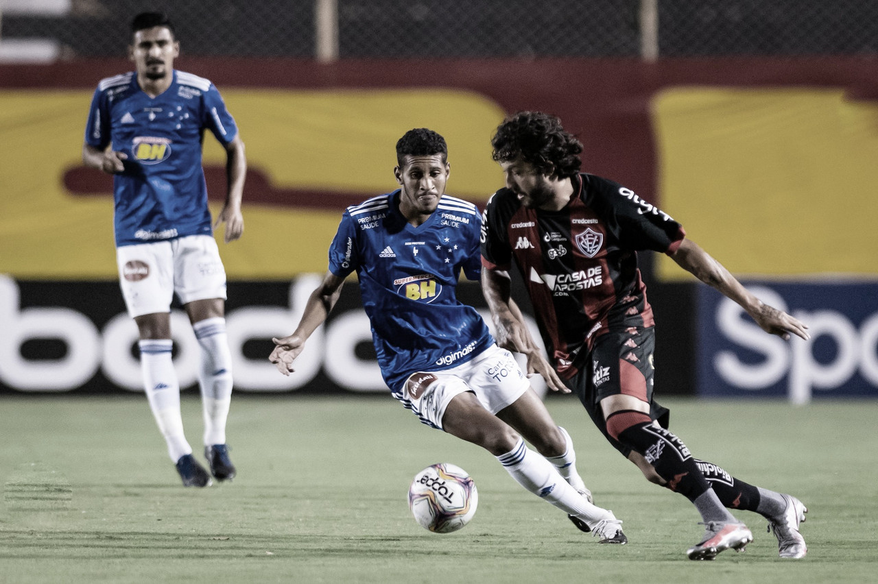 Cruzeiro recebe Vitória visando reagir na Série B