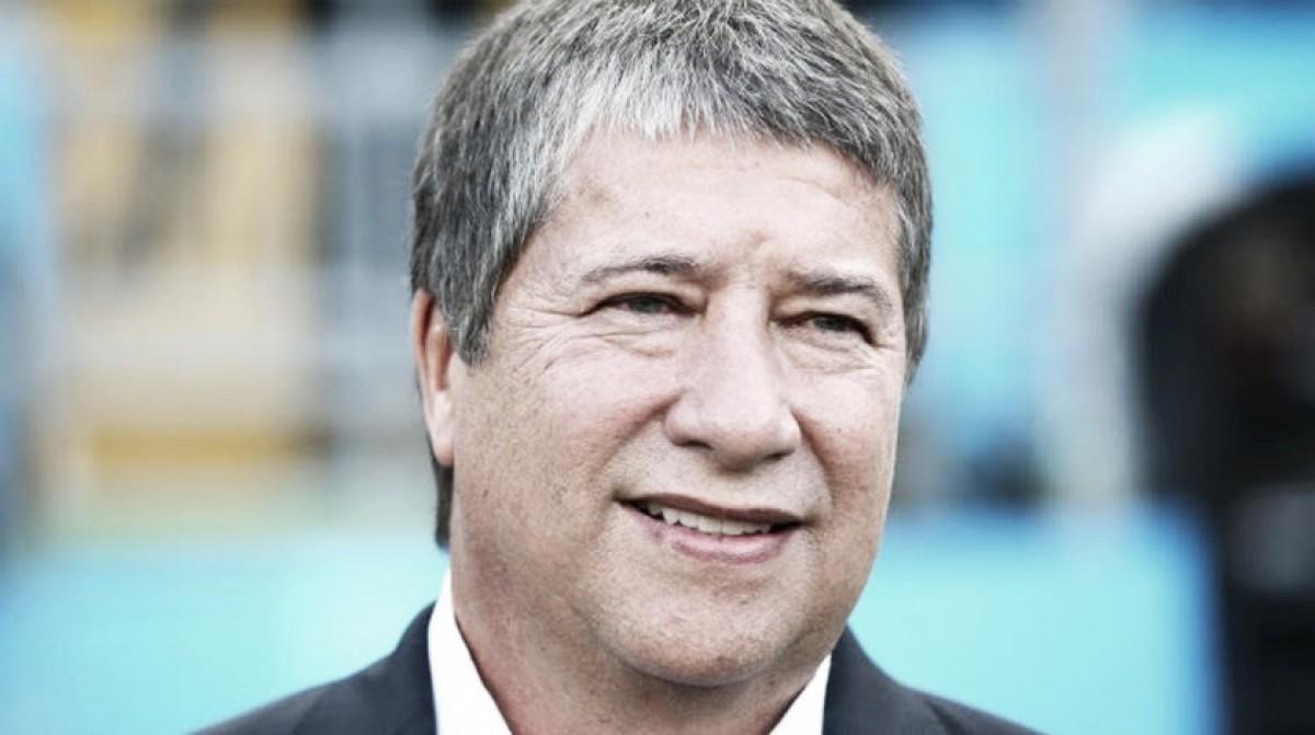 """Técnico do Panamá ressalta felicidade com gol histórico apesar de eliminação: """"Me emocionei"""""""
