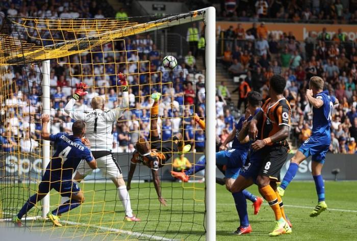 Ritorna la Premier: esordio amaro per il Leicester. L'Hull City supera i campioni in carica