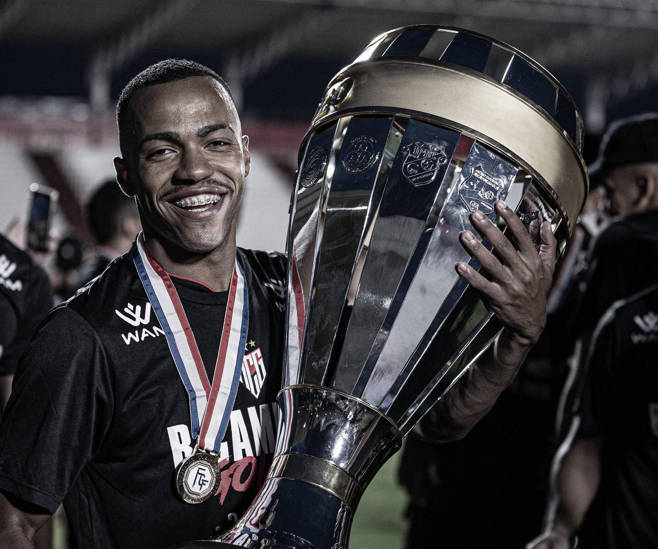 """Marlon Freitas celebra bom momento pelo Atlético-GO: """"Temporada para ficar na história"""""""