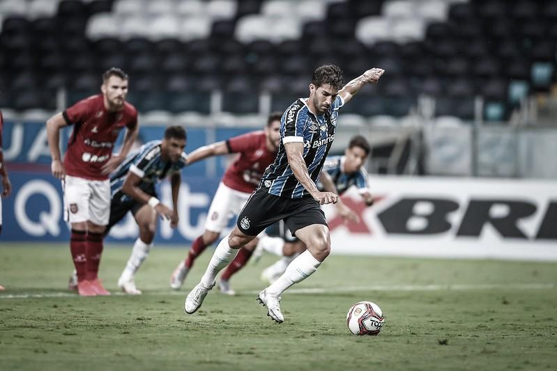 Grêmio estreia no Gauchão com goleada sobre Brasil de Pelotas