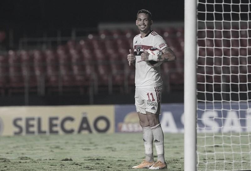 Chuva de gols: São Paulo deslancha no segundo tempo e goleia Santos na estreia de Holan