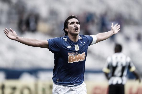 Moreno extingue fama de mercenário, ganha a de 'maluco' e torna-se ídolo peculiar no Cruzeiro