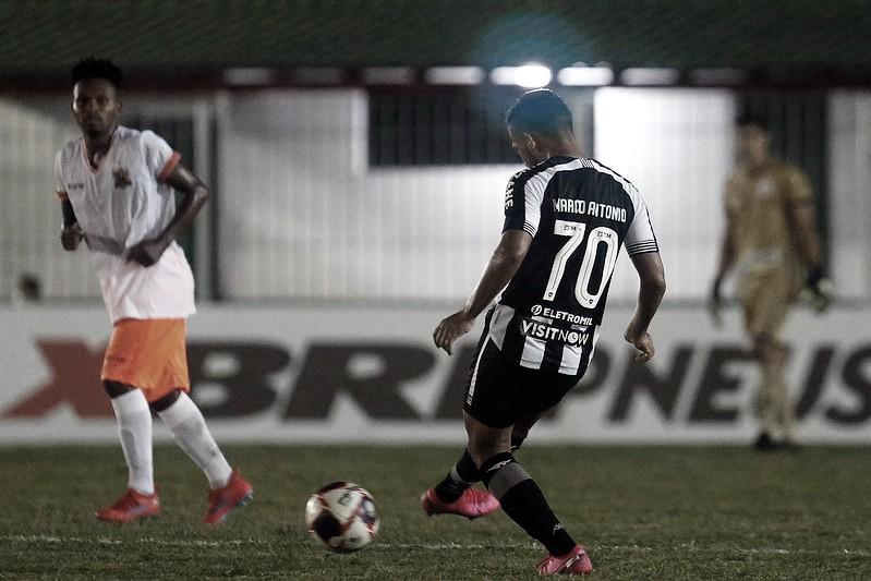 Botafogo e Nova Iguaçu se enfrentam pela primeira partida da semifinal da Taça Rio