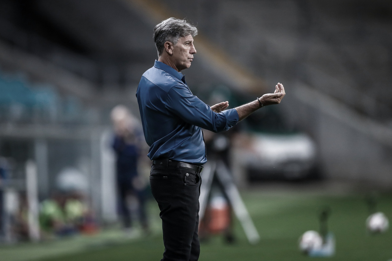 Renato valoriza base e fala sobre reforços após goleada sobre Pelotas