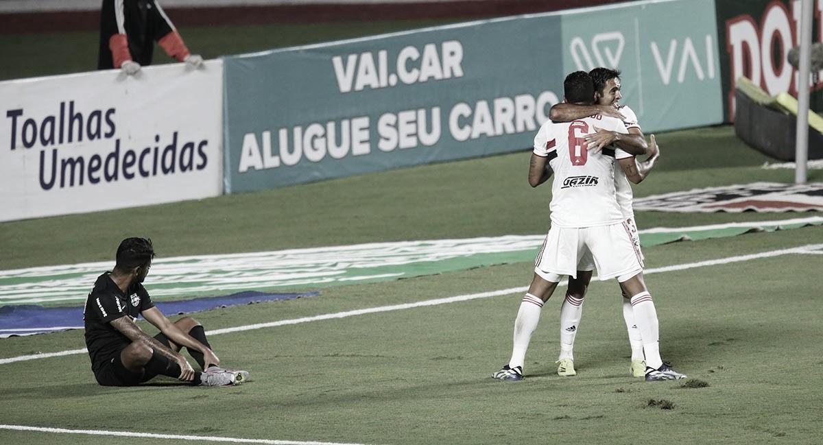 São Paulo vence RB Bragantino e se consolida na liderança do grupo B do Paulistão