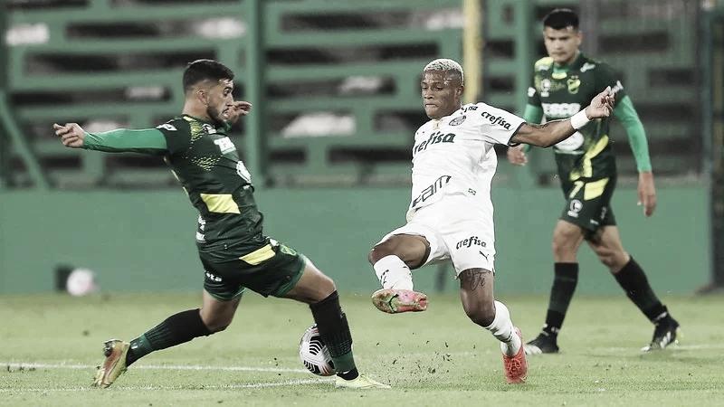 Com reservas e classificado, Palmeiras recebe Defensa y Justicia pela Libertadores