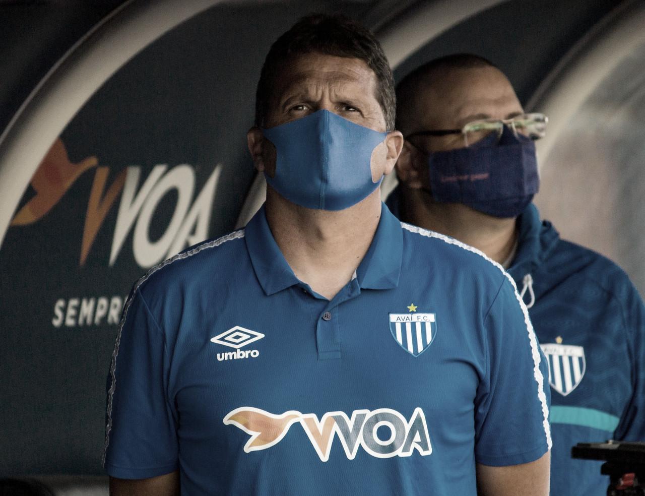 Claudinei celebra vantagem, mas afirma que Avaí vai jogar pela vitória em Chapecó