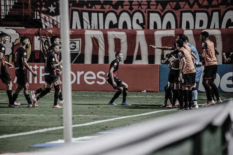 Com vantagem, Atlético-GO recebe Corinthians em busca da classificação na Copa do Brasil