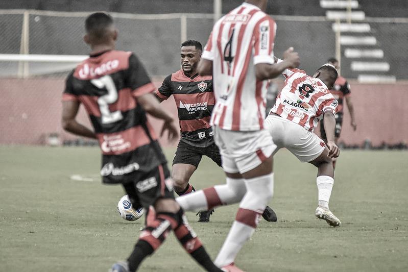 Paulo Victor projeta desempenho vitorioso nos aspirantes do Vitória