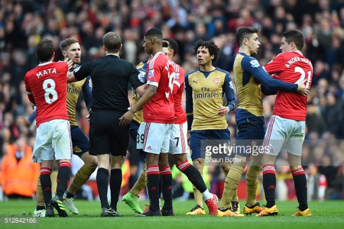 Late equaliser hands Arsenal point in Old Trafford clash