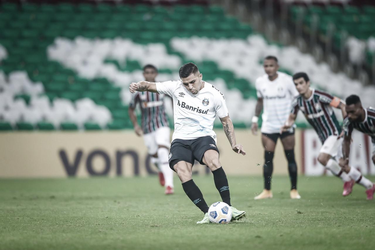 Grêmio vence Fluminense e conquista primeira vitória no Brasileirão