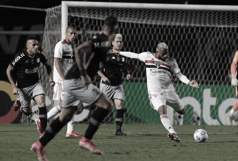 Gols e melhores momentos de Athletico-PR x São Paulo pelo Campeonato Brasileiro (1-2)