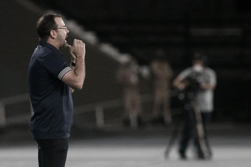 Enderson Moreira destaca importância do bom ambiente na fase positiva do Botafogo na Série B