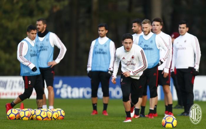 Milan oggi in campo per preparare la sfida contro la Spal