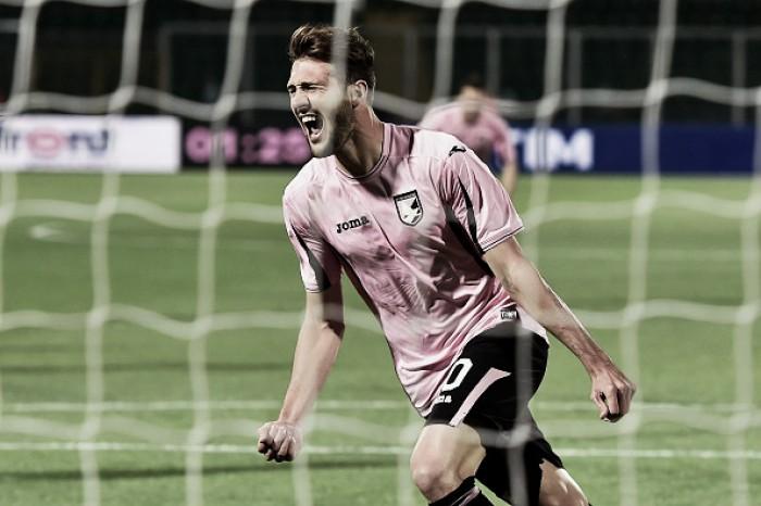 Milan pode incluir dois jogadores em oferta por Vázquez, destaque do Palermo