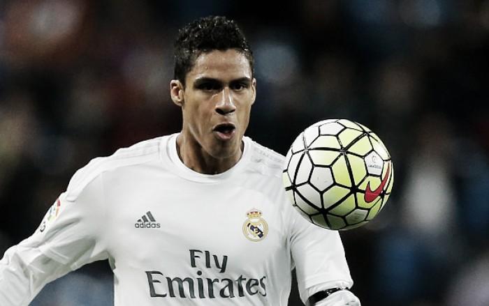 Zagueiro Varane sofre lesão na coxa e desfalca Real Madrid na final da UCL