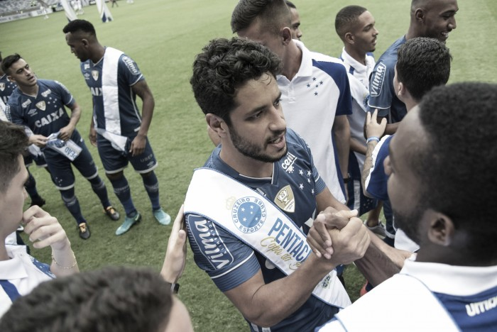 Suspenso contra Botafogo, zagueiro Léo encerra temporada de atuações sólidas no Cruzeiro