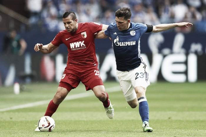 Schalke 04 empata com Augsburg e segue instável na Bundesliga