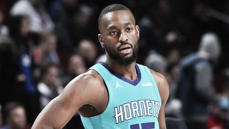 Kemba Walker assina com Boston Celtics e substitui Kyrie Irving