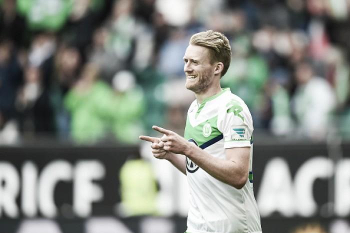 Borussia Dortmund oficializa negociação do atacante André Schürrle, ex-Wolfsburg