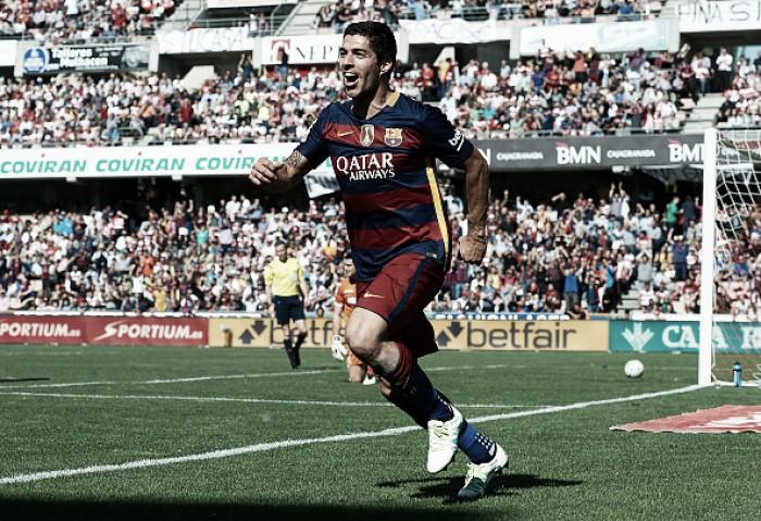 Com hat-trick de Luis Suárez, Barcelona supera Granada e conquista bicampeonato espanhol