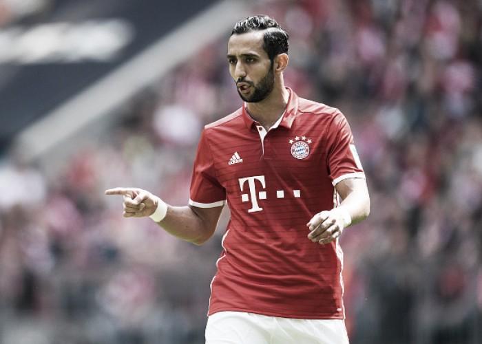 Milan demonstra interesse em técnico do Sevilla e no zagueiro Benatia, vinculado ao Bayern