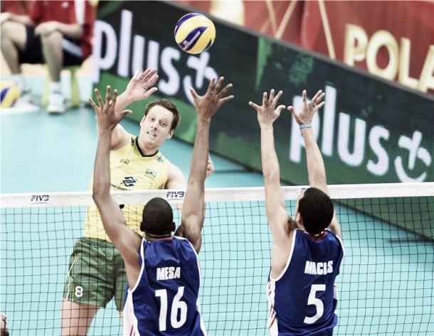 Brasil começa perdendo, mas consegue virada contra Cuba no Mundial de vôlei