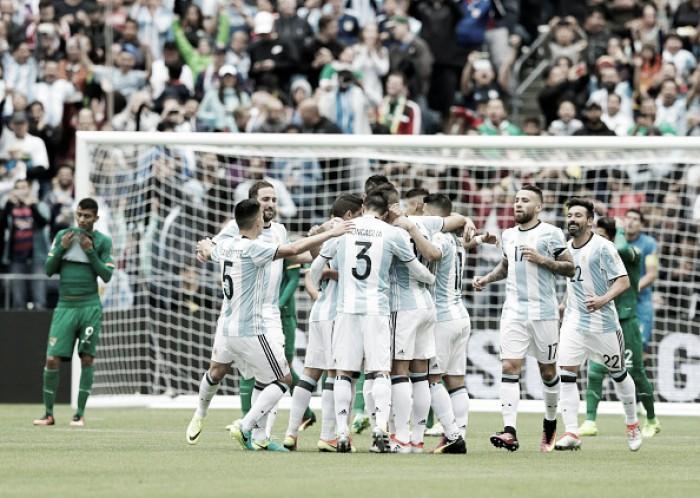 Argentina goleia Bolívia e encerra primeira fase na liderança do Grupo D