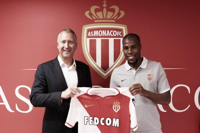 Especulado no Arsenal, Djibril Sidibé é anunciado oficialmente pelo Monaco