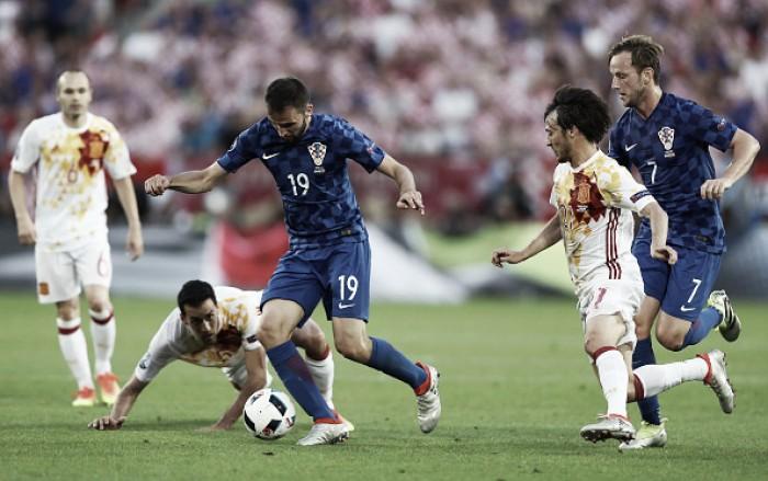 Croácia surpreende com gol da vitória no fim e faz Espanha encarar Itália nas oitavas da Euro