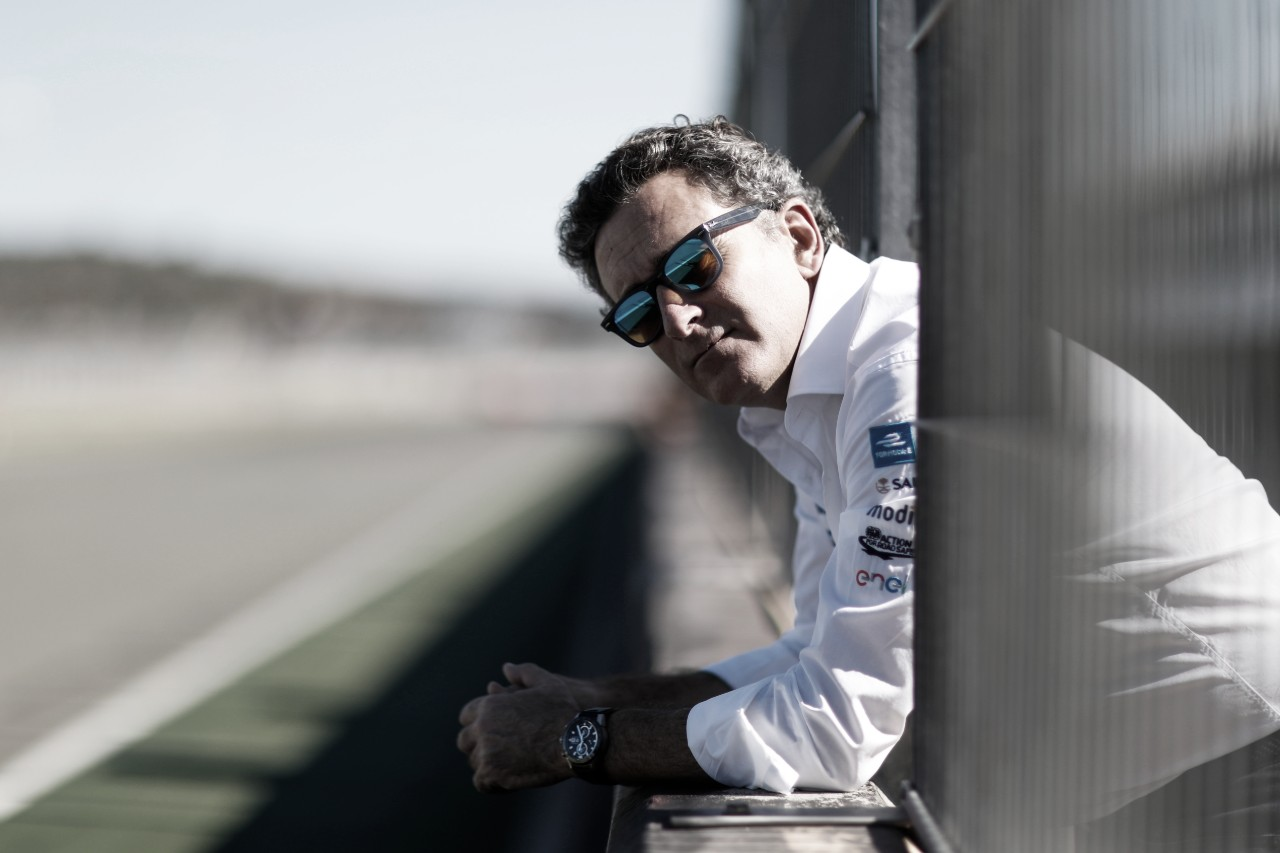 Fundador da Fórmula E testa positivo para Covid-19