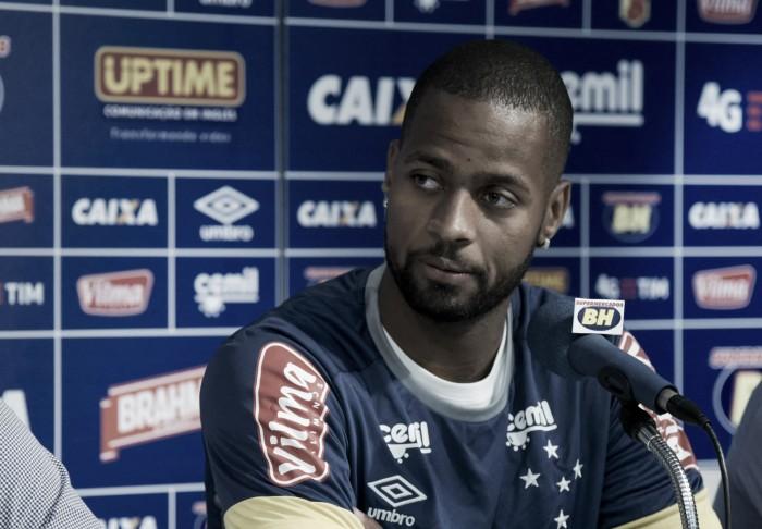 Sem evolução no tratamento do edema ósseo, Dedé é afastado no Cruzeiro