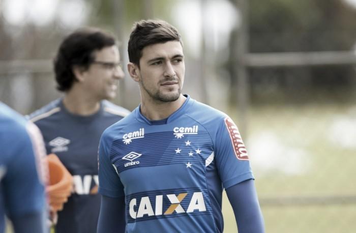 Arrascaeta sofre estresse na tíbia e desfalca Cruzeiro por dez semanas