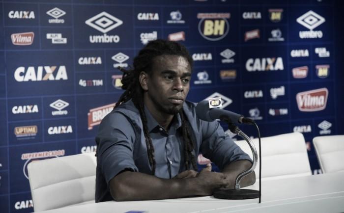 Segue a debandada: Tinga anuncia saída do cargo de gerente de futebol do Cruzeiro