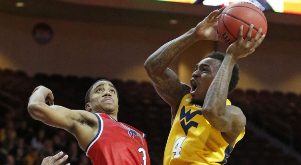 West Virginia Mountaineers Show Chinks In The Armor vs. Richmond Spiders, But Prevail