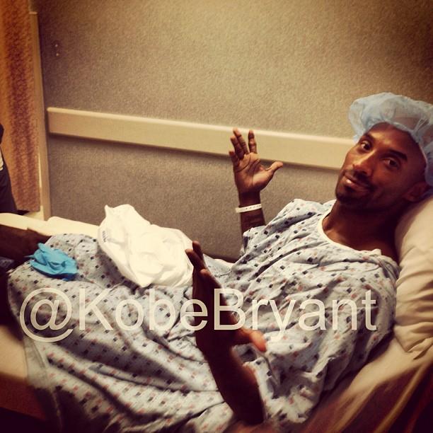 Kobe Bryant é submetido a cirurgia no tornozelo e está fora da temporada