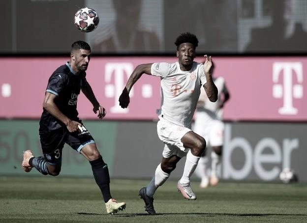 Álvaro González pugna por el balón en el amistoso que jugó el Marsella ante el Bayern de Múnich el 31 de julio