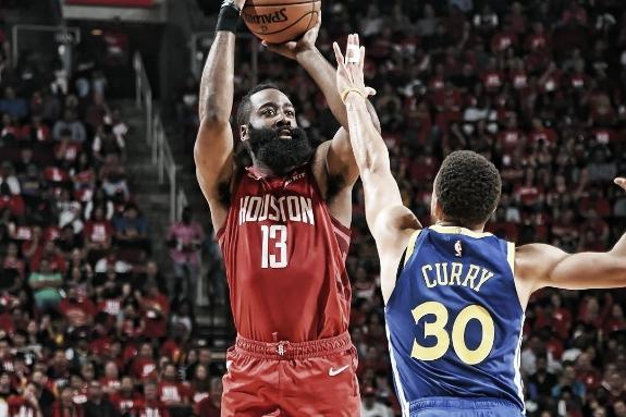 Rockets empatam série com Warriors em show de James Harden